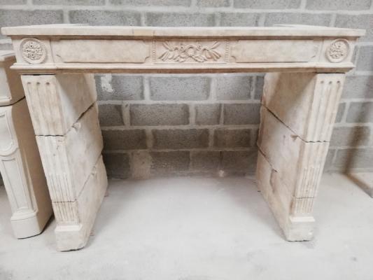 cheminée L XVI basse ancienne restaurée par Sarl GUERIN cheminées, près de Falaise