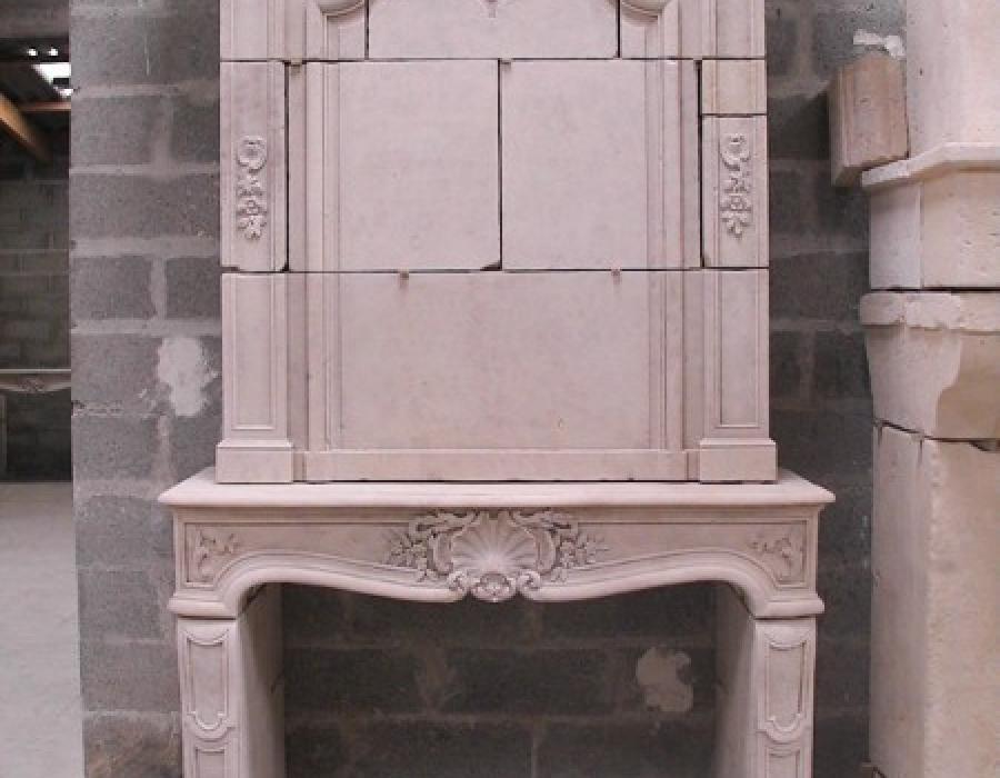 cheminée L XV ancienne à trumeau réf 118 à sculptures fines - pierre de Caen