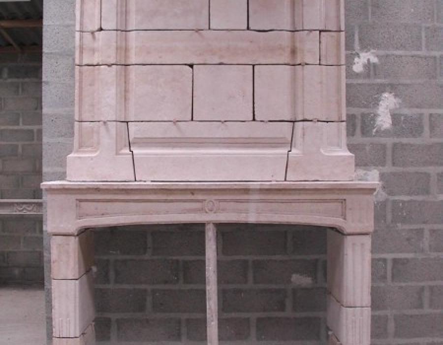 cheminée L XVI ancienne restaurée à trumeau - réf 119 - pierre de Falaise