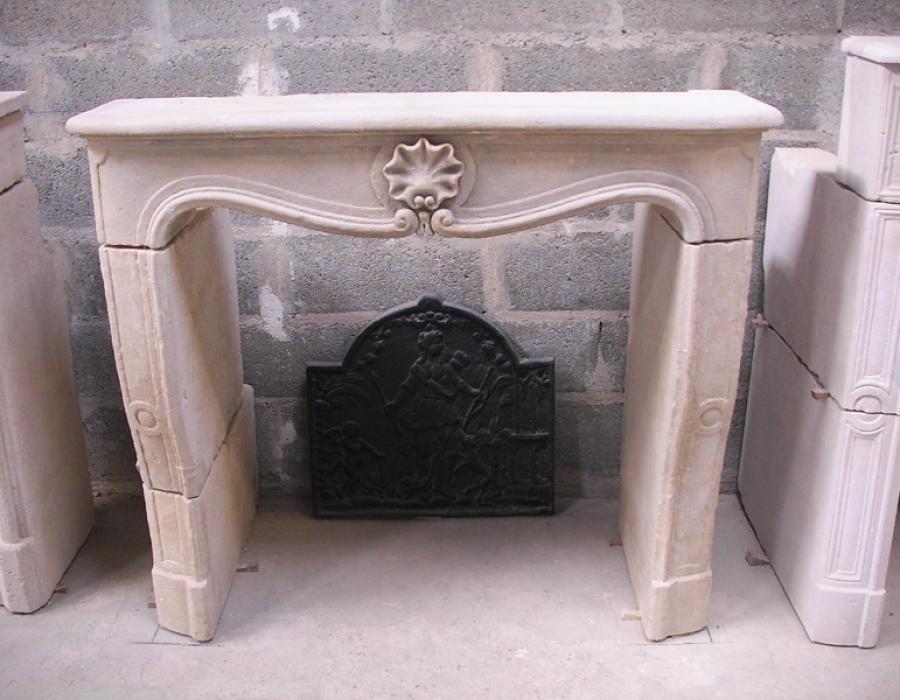 cheminée L XIV ancienne basse restaurée - réf 150 - en pierre de Caen