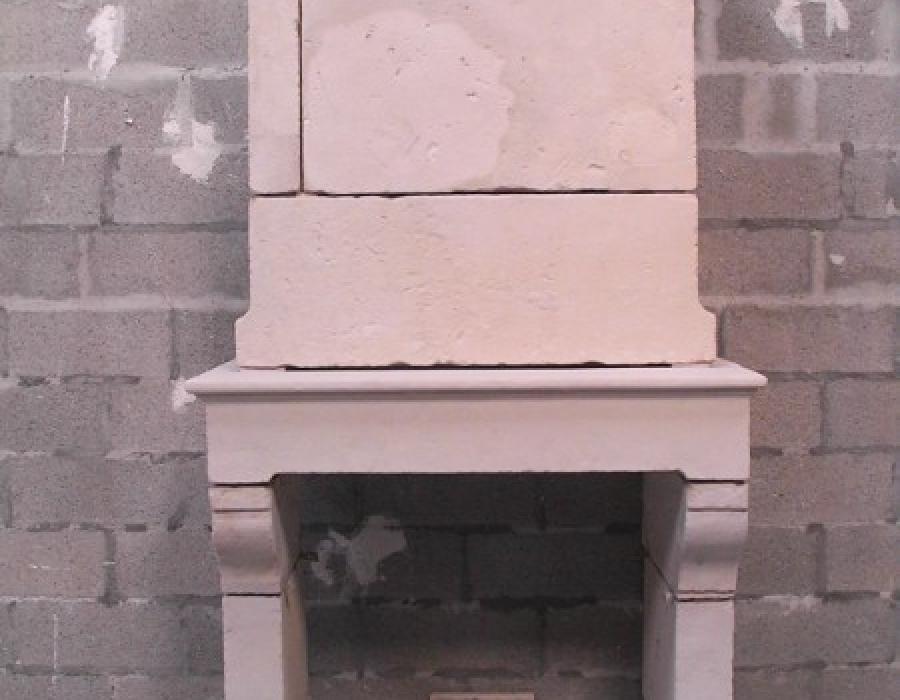 cheminée Normande ancienne à trumeau - réf 151 - en pierre de Falaise