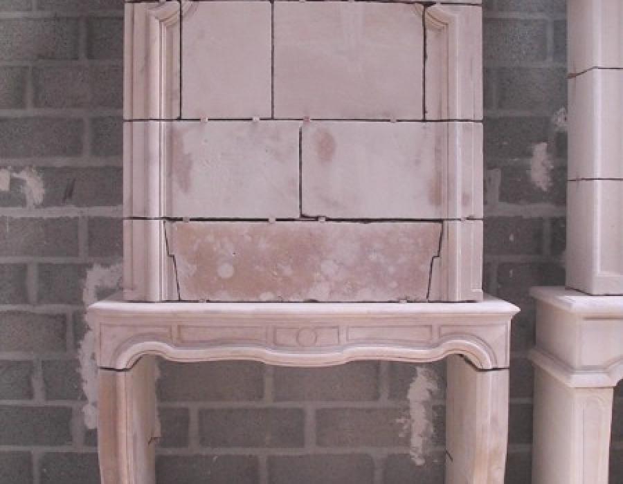 cheminée L XIV ancienne restaurée à trumeau - réf 162 - en pierre de Caen