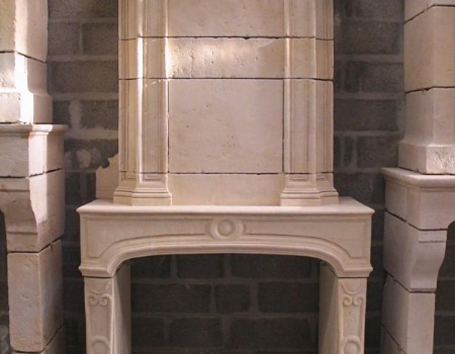 cheminée Régence ancienne restaurée à trumeau réf 168  - pierre de Caen