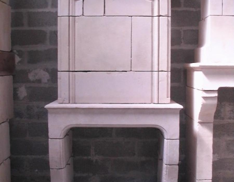 cheminée L XIV ancienne restaurée à trumeau - réf 118  - pierre de Falaise