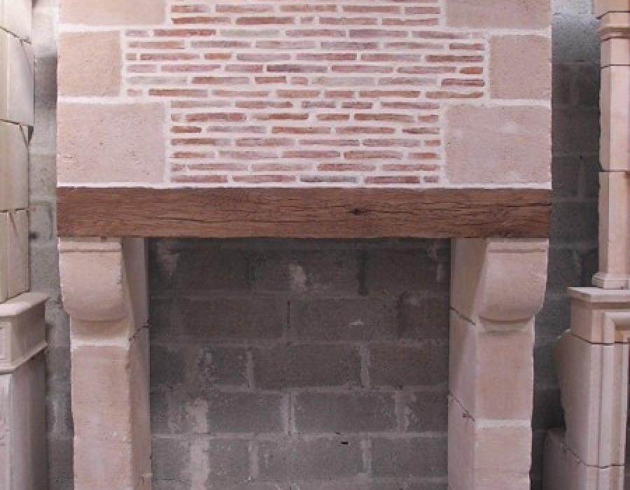 cheminée Pays d'Auge en copie à trumeau - réf 191 -  taillée en pierre de St Vaast