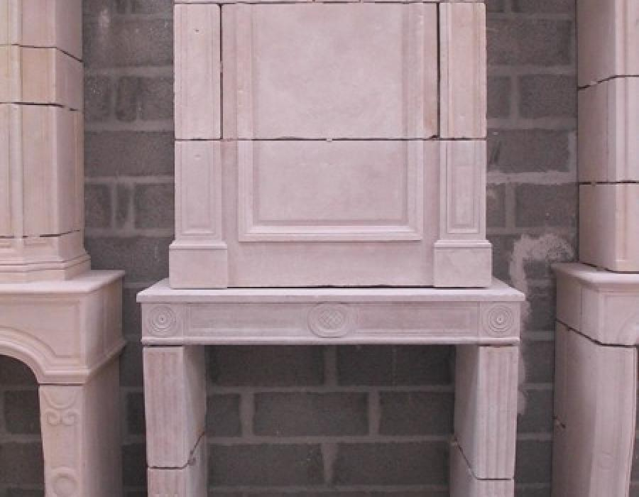 cheminée L XVI ancienne restaurée à trumeau - réf 194 - en pierre de Falaise