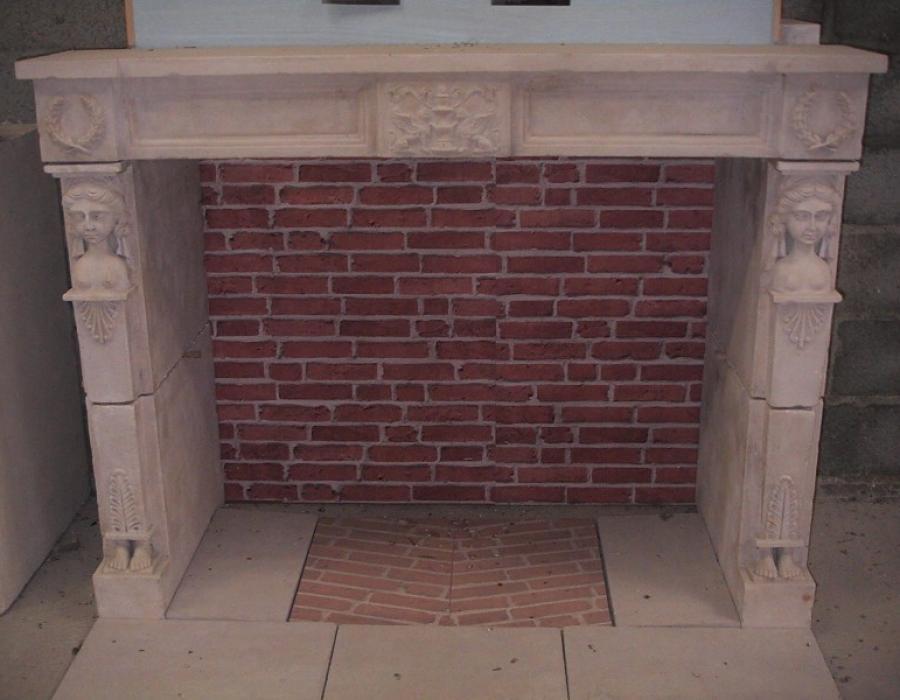 cheminée style Empire en copie - réf 32 - taillée en pierre fine de Tervoux