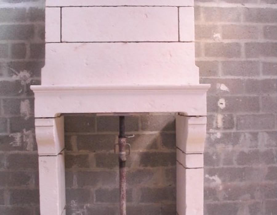 cheminée Normande en copie  à trumeau - réf 46 -  en pierre de fine de Tervoux