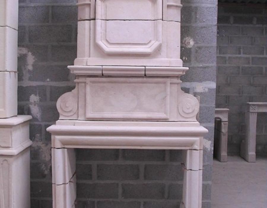 cheminée L XIII ancienne restaurée à trumeau réf 72 - pierre de Falaise