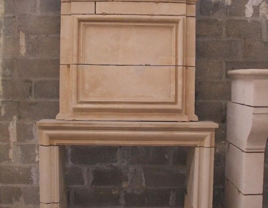 cheminée L XIII ancienne basse restaurée - réf 75, en pierre de Caen