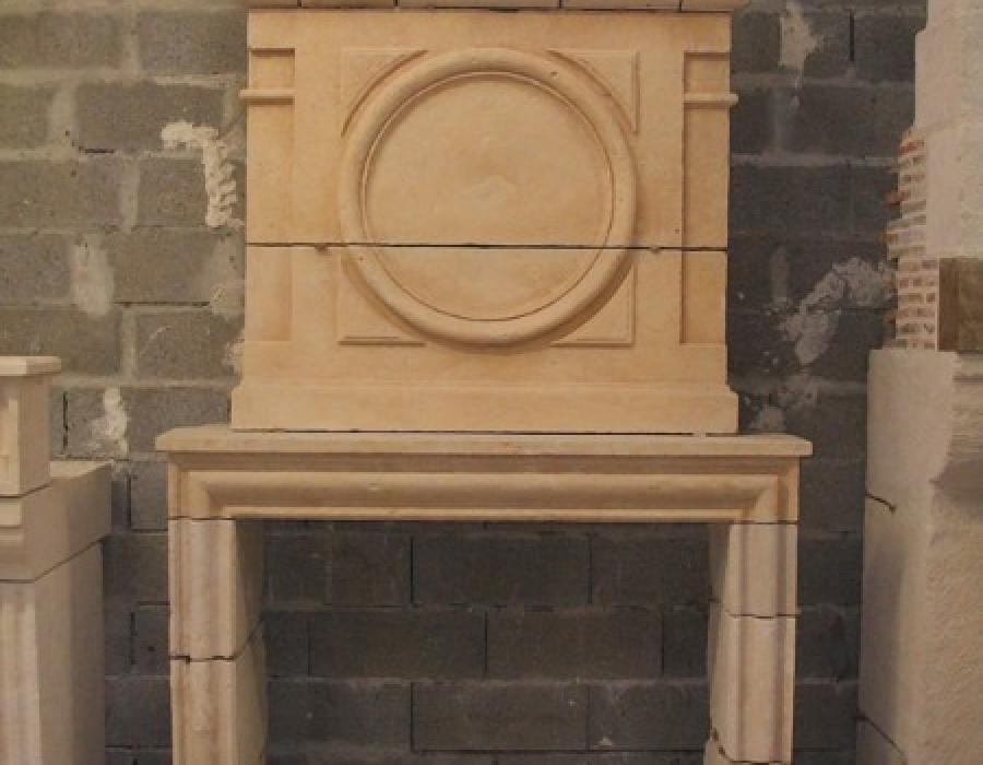 cheminée L XIII ancienne basse restaurée - réf 76, en pierre de Caen